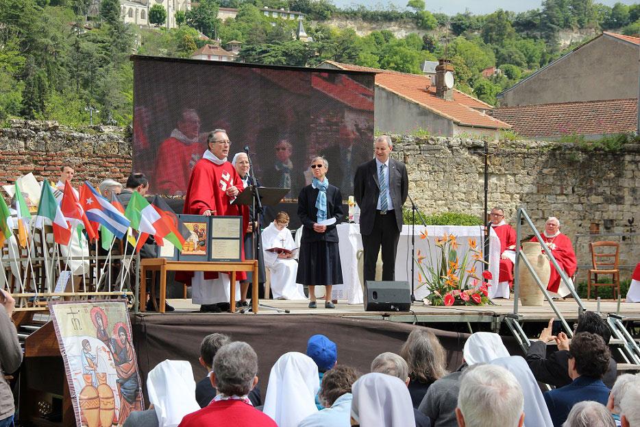 Eucaristia-apertura-bicentenario-entrega-icono